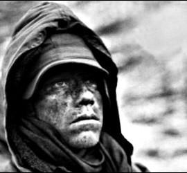 El sufrimiento en la cara de este marine norteamericano, sometido al frío, el hambre y el incesante ataque de los comunistas norcoreanos.