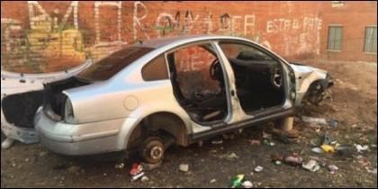 El coche que aparecía en el tuit de la Policía Municipal de Badajoz.