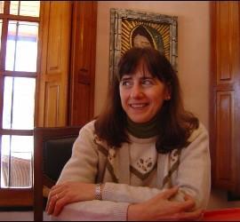 La teóloga Virginia Azcuy