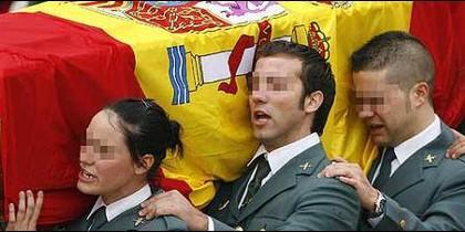 Agentes de la Guardia Civil en el entierro de un compañero asesinado por los terroristas de ETA.