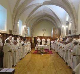 Dominicos en la iglesia de Caleruega