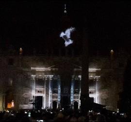Paloma en el Vaticano