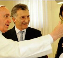 El Papa, con Mauricio Macri y su familia