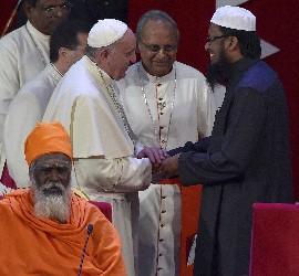 Francisco en un encuentro interreligioso