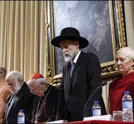 Responsables de las distintas religiones oran por la paz en Valencia