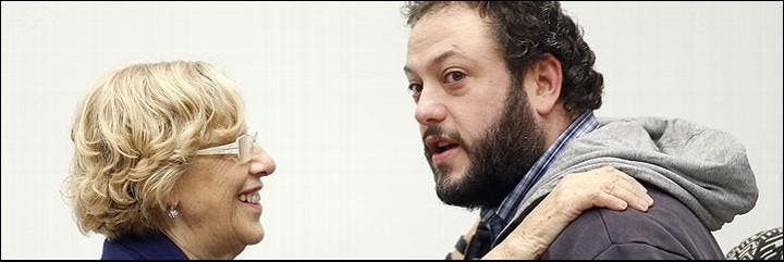La alcaldesa Manuela Carmena y su protegido, el concejal podemita Guillermo Zapata.
