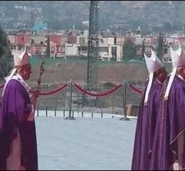 El Papa, con Ecatepec al fondo