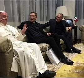 El Papa, con algunos jesuitas de México