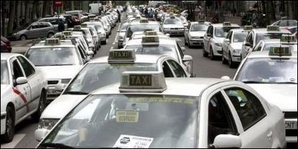 Taxi, taxis, transporte urbano en Madrid.