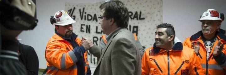 Vara con trabajadores de la Mina de Aguablanca