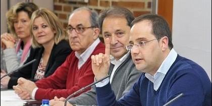 Cesar Luena en un acto con Alcaldes y Concejales Segovianos.