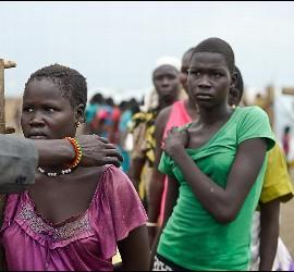 Mujeres seleccionadas para la violación en la guerra de Sudán.