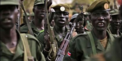 Soldadso del ejército de Sudán del Sur.