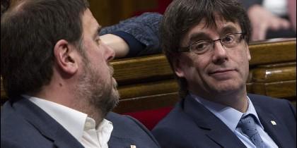 El vicepresidente del Govern, Oriol Junqueras, junto al presidente de la Generalitat de Cataluña Carles Puigdemont.