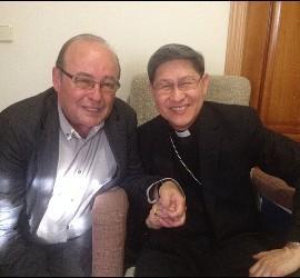 El cardenal Tagle, con José Manuel Vidal