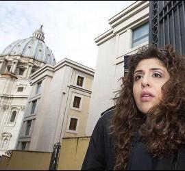 Francesca Chaouqui, entrando al Vaticano