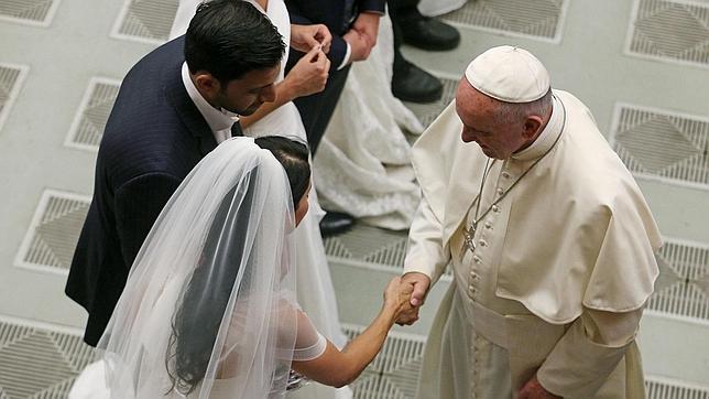 Union Matrimonio Catolico : El papa pide a los obispos que abran las puertas de la