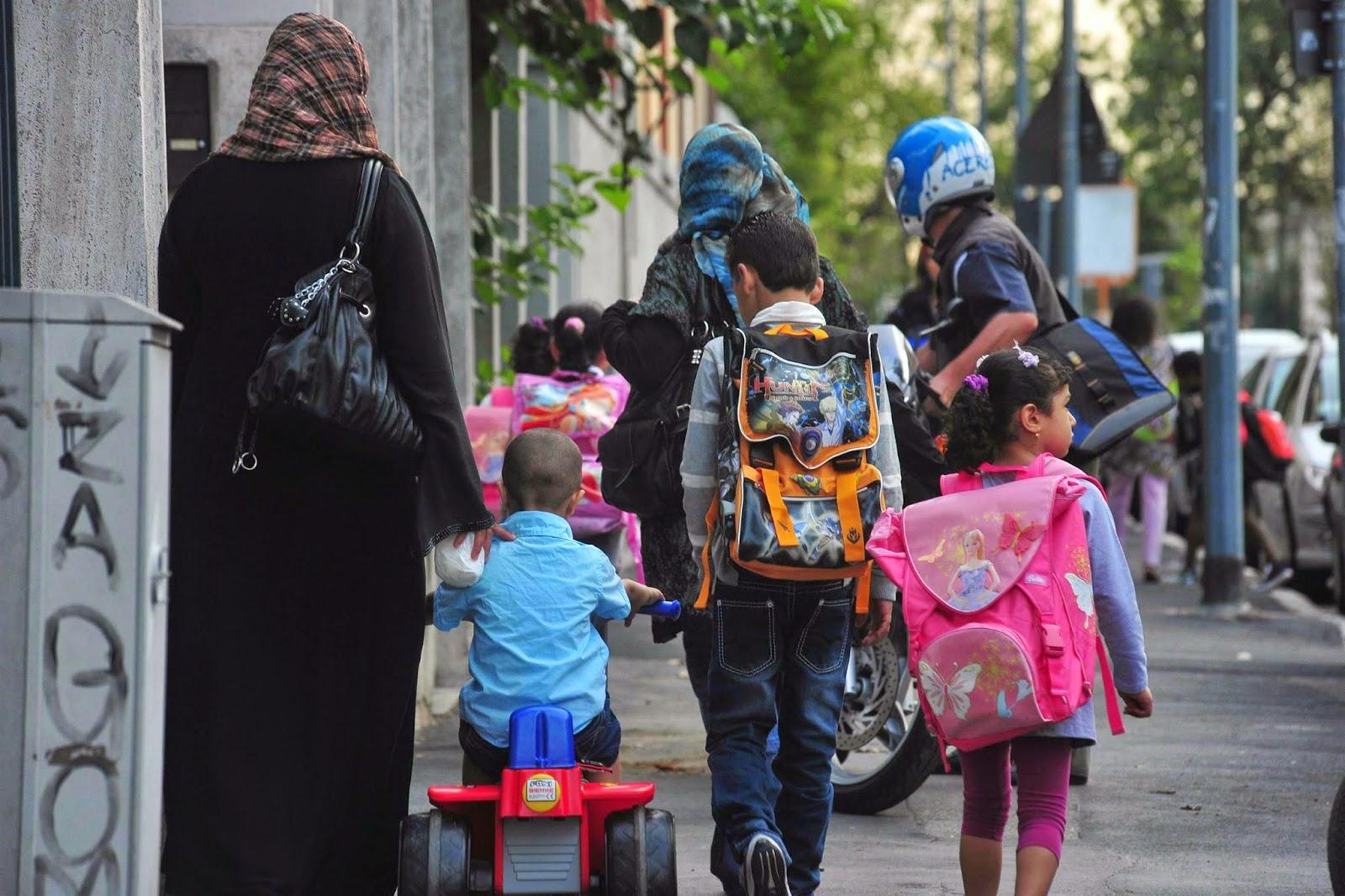 Los musulmanes vuelven a invadir España: dos millones de islámicos y 84 centros de oración radicales Musulmanes-e-islam-en-espana