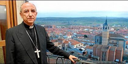 El obispo de Ávila