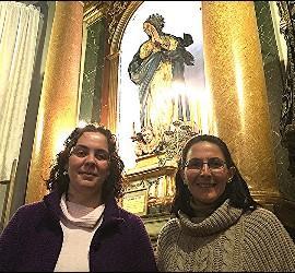 Ivana Lima e Iria Quiñones, en un templo madrileño