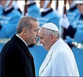 Erdogan expresó su desaprobación a Francisco por su mención del genocidio armenio