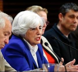 Santos Urías, el segundo por la derecha, durante la presentación de la Comisión