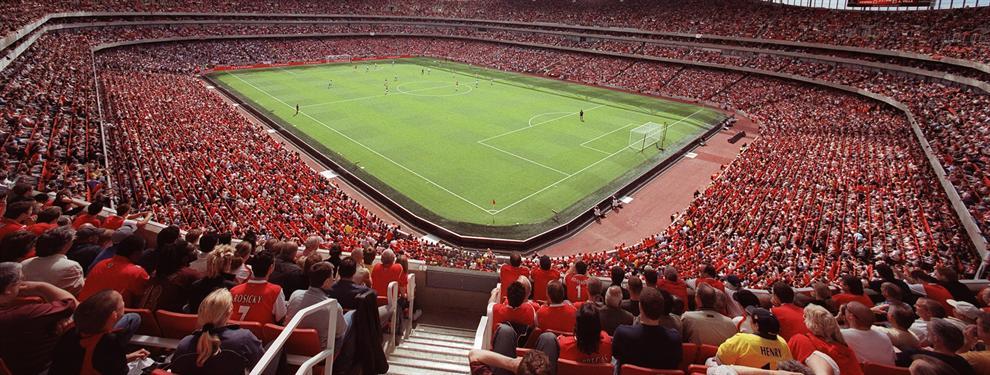 La afición del Manchester United insulta a Mourinho