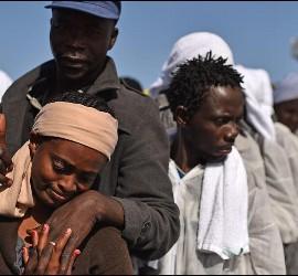 Inmigrantes subsaharianos en el Mediterráneo.
