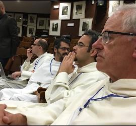 Los dominicos, en el debate