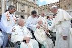 El Papa, con sacerdotes enfermos