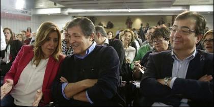 Susana Díaz, junto a Javier Fernández y Guillermo Fernández (PSOE).