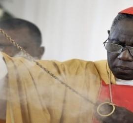 El cardenal Sarah, en una misa en Haití en el 2010