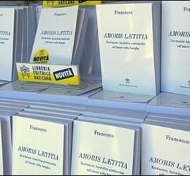 Ejemplares de Amoris laetitia
