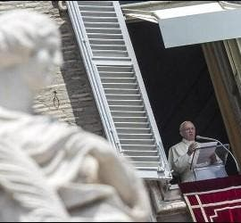 Francisco en la ventana