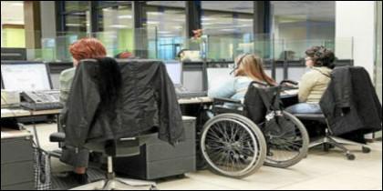 La Junta apoya la contratación de trabajadores con discapacidad por entidades locales para realizar obras y servicios de interés público y social