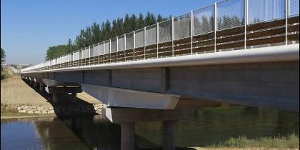 Nuevo puente sobre el río Esla