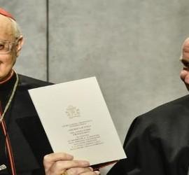 El cardenal Schönborn, en el acto de presentación de 'Amoris'