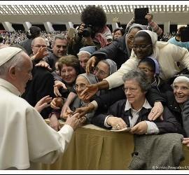 Francisco, con las religiosas