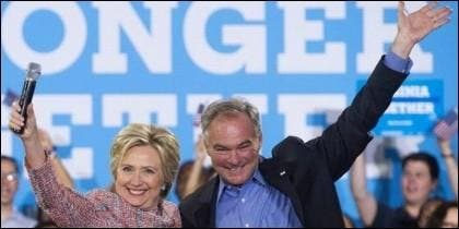 Hillary Clinton con Tim Kaine.