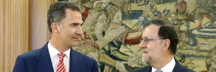 Felipe VI con Mariano Rajoy en el Palacio de La Zarzuela.