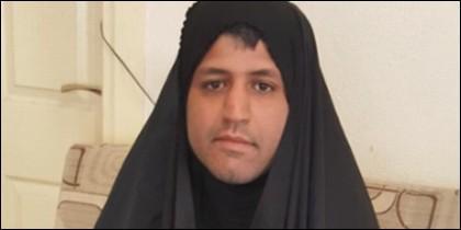 Un varón iraní cubierto con el hiyab, el velo islámico.