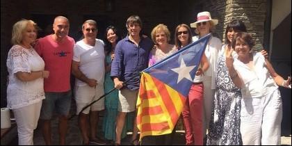 La paella y el fiestón de Puigdemont, Rahola y Laporta en Cadaqués.