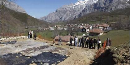 Inicio de las obras del nuevo centro de recepción de visitantes en Posada de Valdeón
