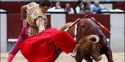 'El Juli' frente al toro.