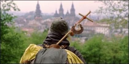 Peregrinos en el Camino de Santiago llegan a Santiago.