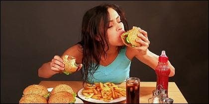 Comida basura, dieta, kilos, alimentos sanos, nutrición y belleza.