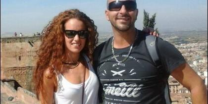 Ana Huete junto a su pareja italiana.