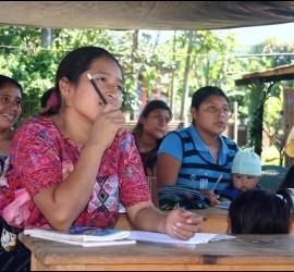 Campaña de alfabetización en Guatemala