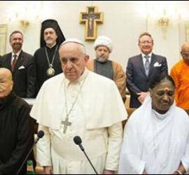 Francisco, con representantes de otras religiones