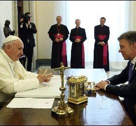 El Papa, con Juan Manuel Santos